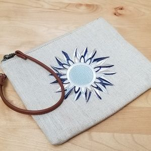 SAKROOTS | WRISTLET WITH BLUE SUN, TAN STRAP